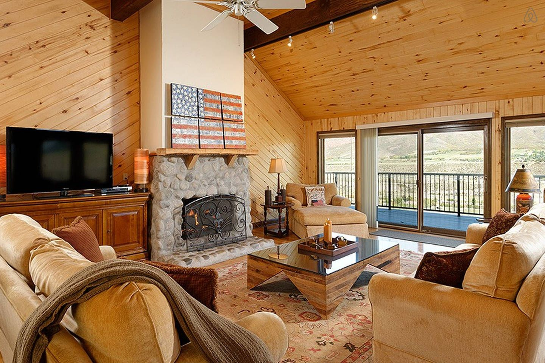 Villa Valley High 4BR w/ Views vacation rental in Aspen