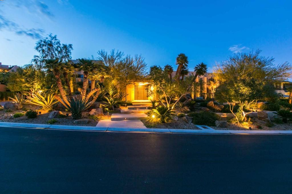 Contemporary elegance and state-of-the-art automation provide for the finest property within the prestigious Ridges community. #LasVegas #Luxury #RealEstate