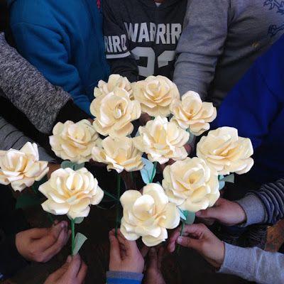 Játékos tanulás és kreativitás: Papír rózsa és Anyák lapja - anyák napjára