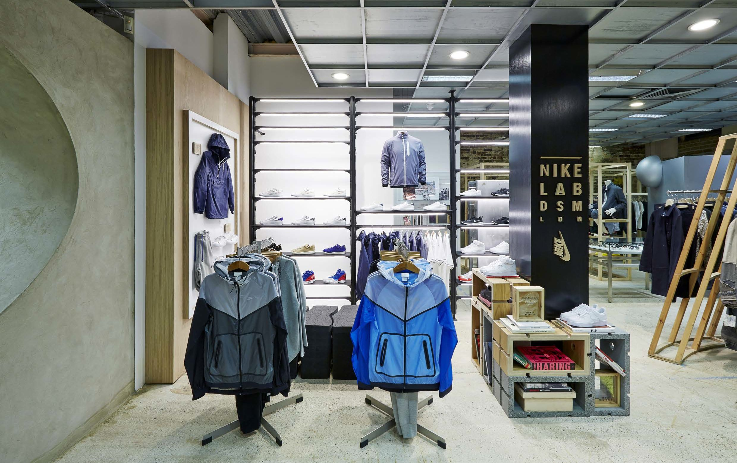 Nikelab Dsm London Snapshot Lr Retail Interior Dover