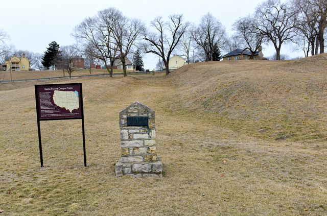 Santa Fe And Oregon Trails Fort Leavenworth Ks Fort Leavenworth Leavenworth Scenic Byway