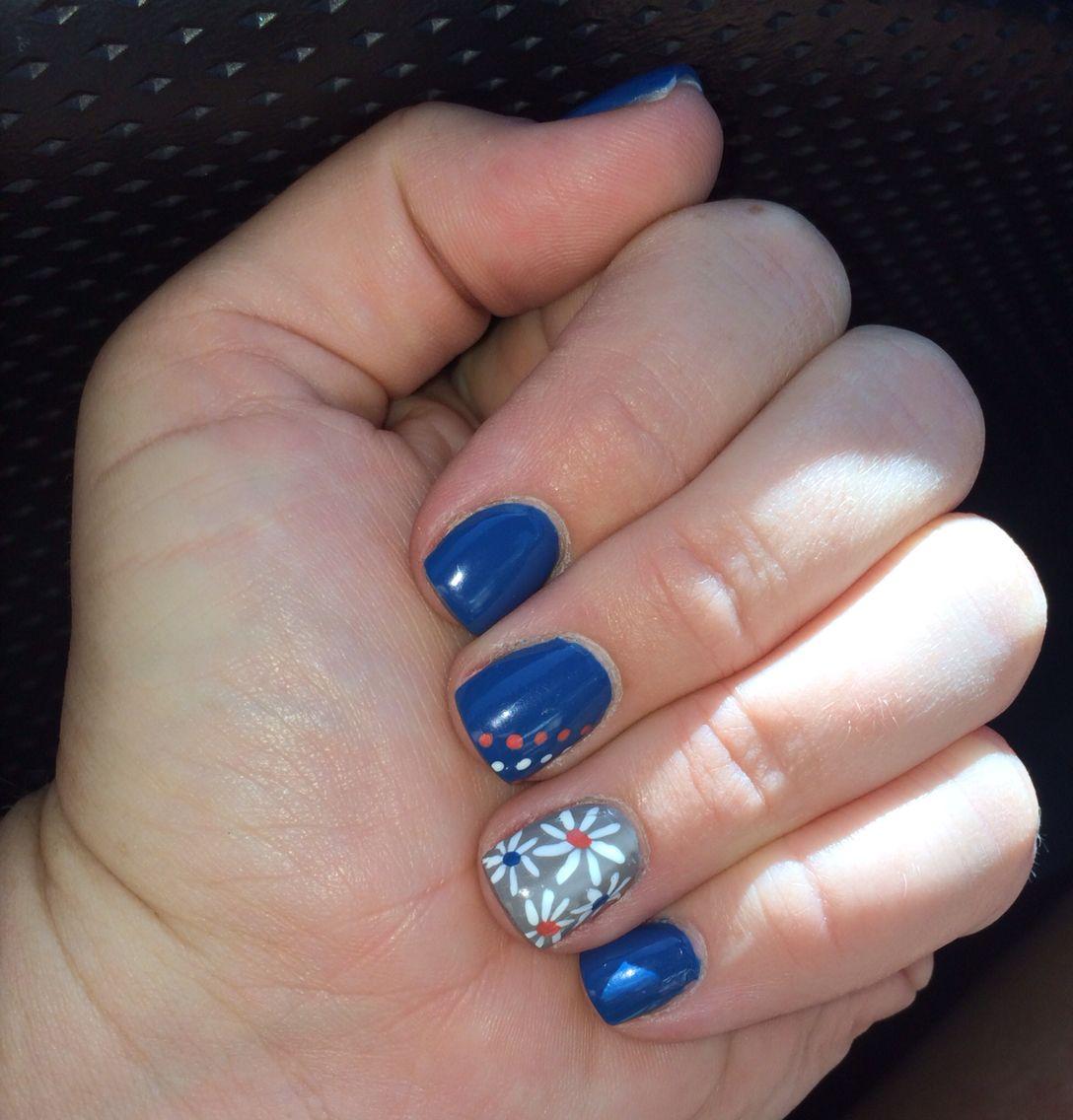 Blue, tan-grey, and peach nails with white daisies - Nail art ...