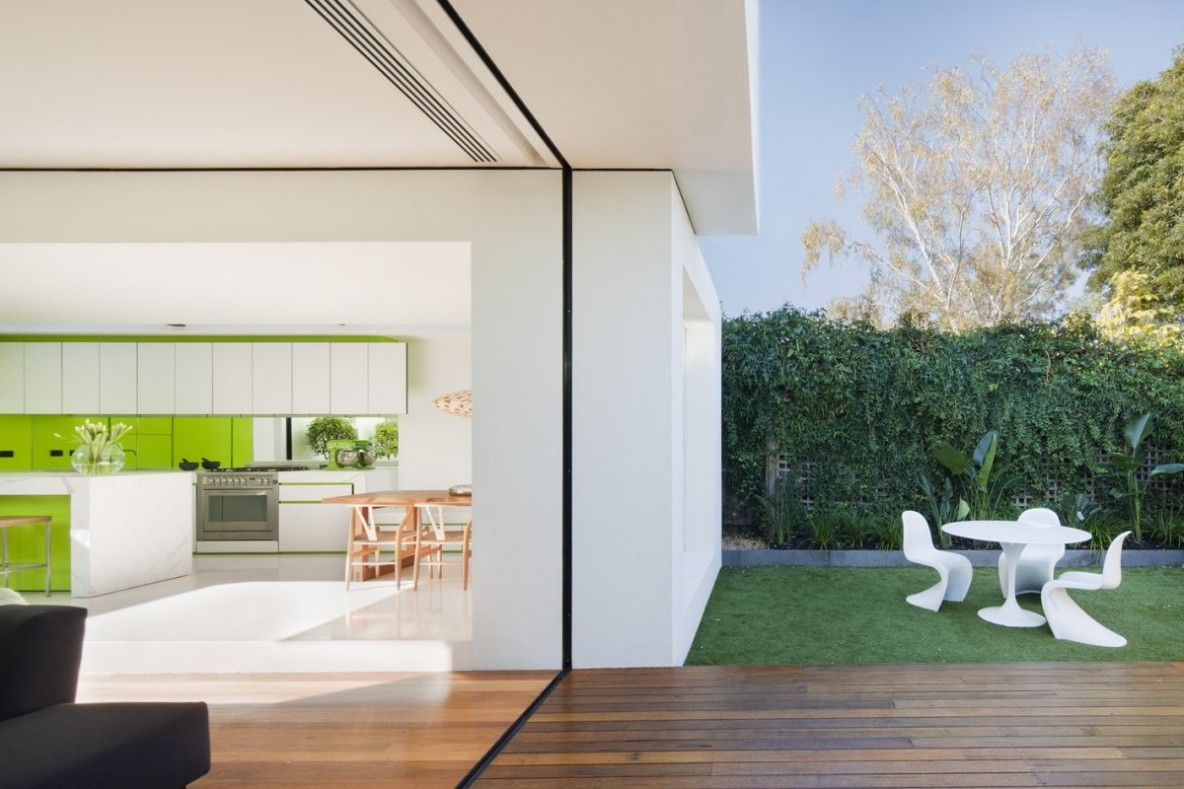 modern outdoor living melbourne. designed by matt gibson architecture + design, the shakin stevens house is located in melbourne, australia. \ modern outdoor living melbourne e