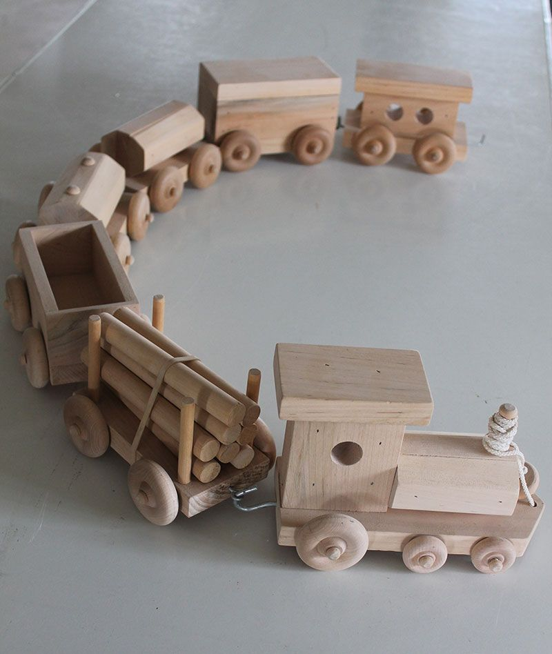 Usa amish handcrafted wooden toy train set toy train for Wooden locomotive plans