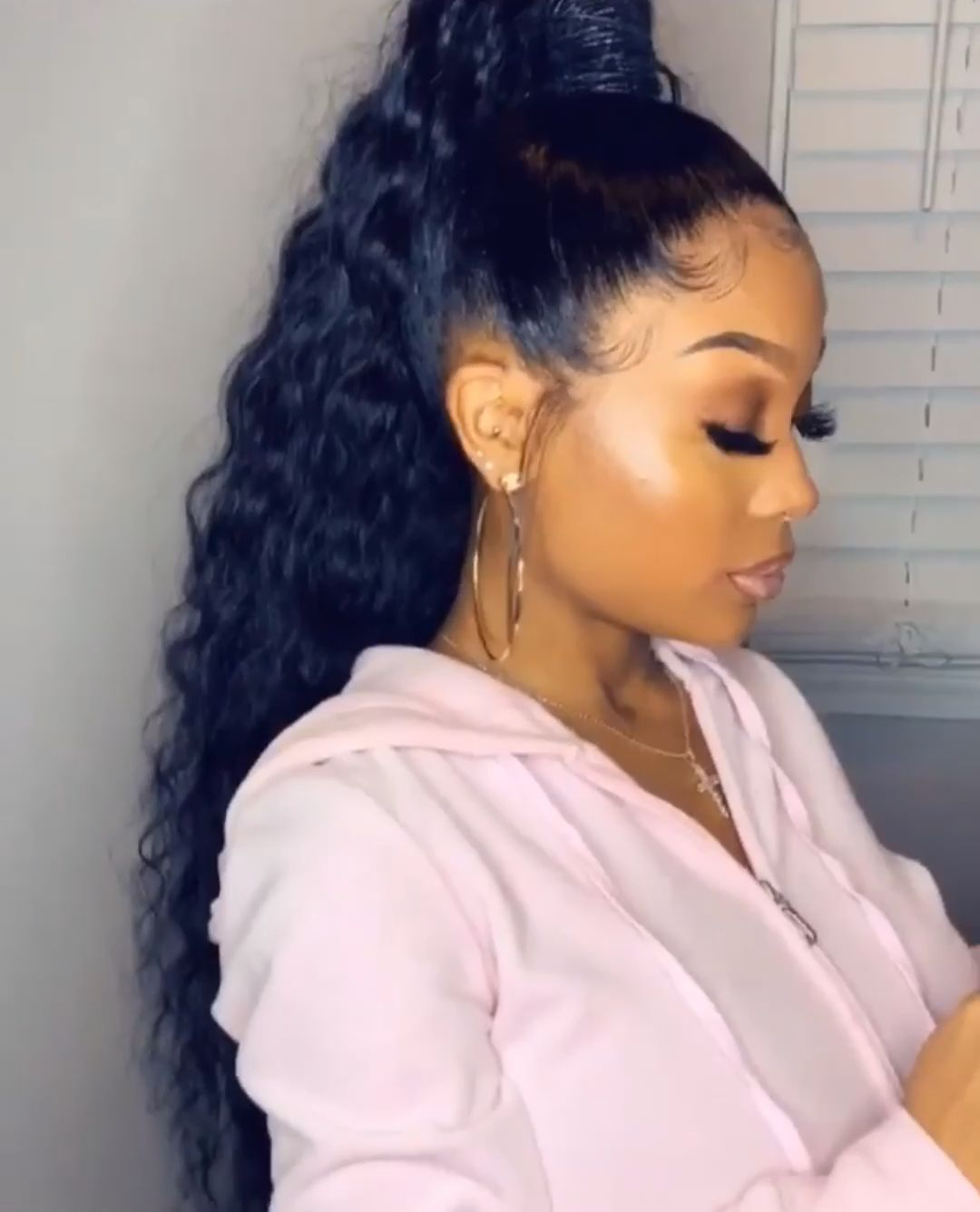 Pin By Boujee Niyah On H A I R Video Long Ponytail Hairstyles Black Ponytail Hairstyles Wig Hairstyles