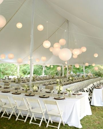 """""""Dinner took place under a tent at sunset. The 175 guests enjoyed Southern fare prepared by Epting Events: a local-greens salad, barbecue sliders, macaroni and cheese, collard greens, squash casserole, roasted beet salad, cornbread, and cheese biscuits."""""""