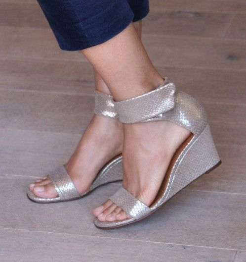 FRUALA GOLD :: SANDALS :: CHIE MIHARA SHOP ONLINE