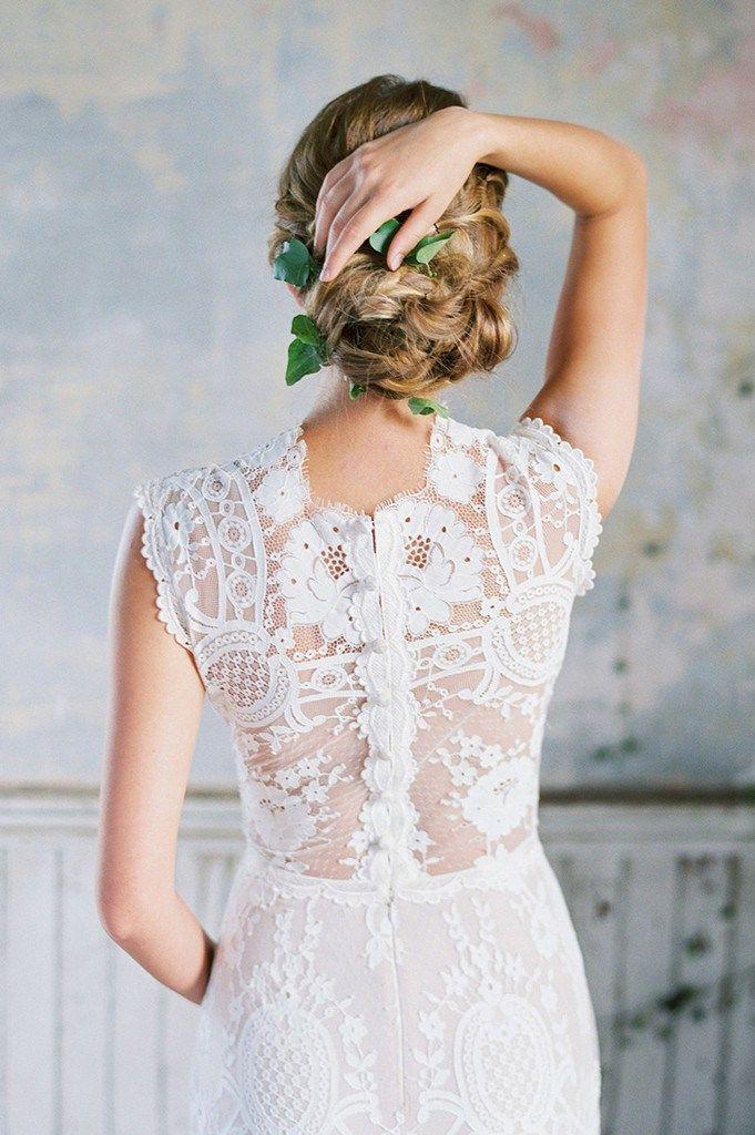 Sem fôlego, com o trabalho da estilista Claire Pettibone! Ela incorpora ao seu design a visão do romantismo vintage com um espírito boêmio encantador.