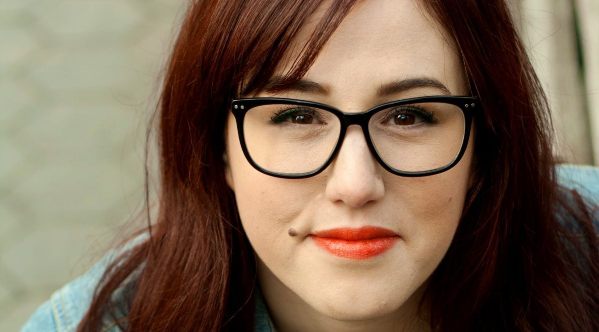 Hairstyles For Overweight Women Who Wear Glasses