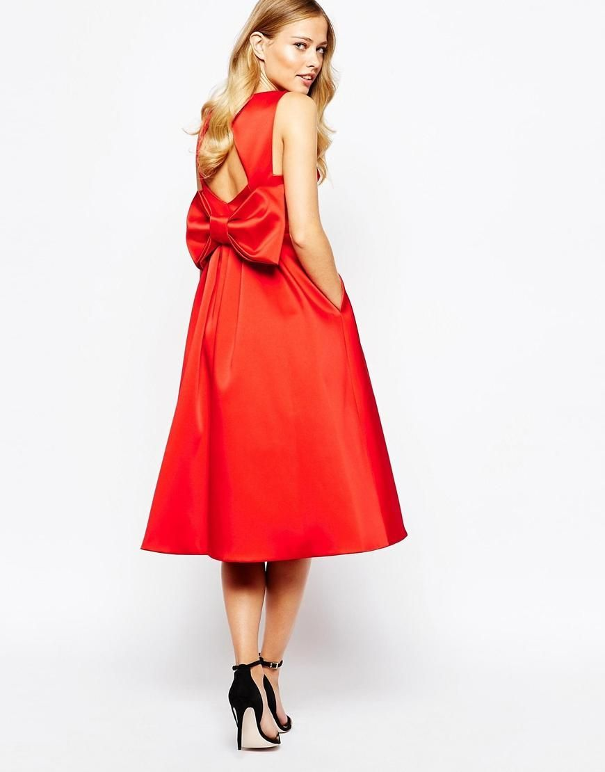 Photo of Our new favorite color combination: lipstick red and ba …