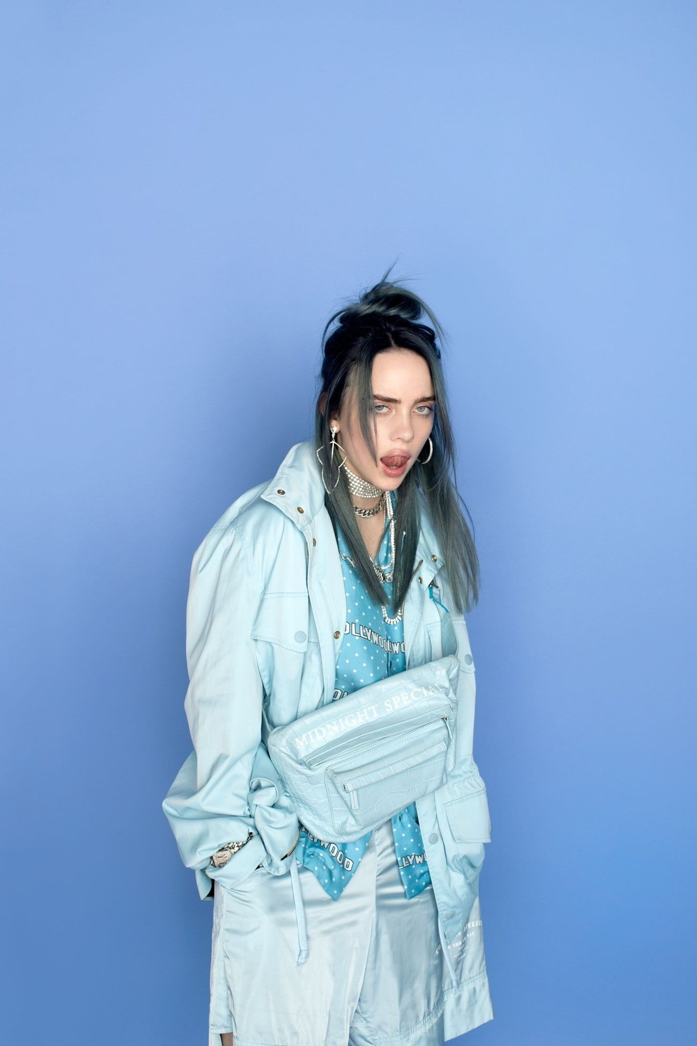 Billie Eilish Music Simple Background Dark Hair Tongue Out Women 1080p Wallpaper Hdwallpaper In 2020 Billie Eilish Billie Dark Hair