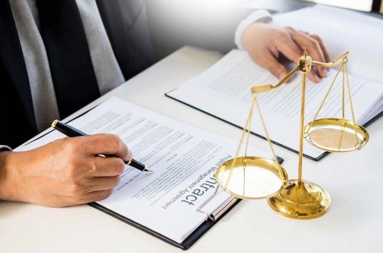 المكنز القانوني العربي Posts By Lawyer Dubai Business Lawyer Lawyer Corporate Law