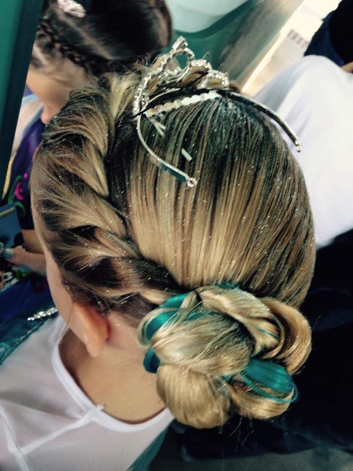 Bibbidi Bobbidi Boutique Review Tips Including How To Make A Reservation Disney Hairstyles Elsa Hair Disney Hair