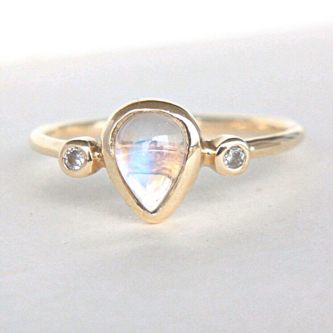 Pear moonstone and diamond ring k yellow gold natural moonstone