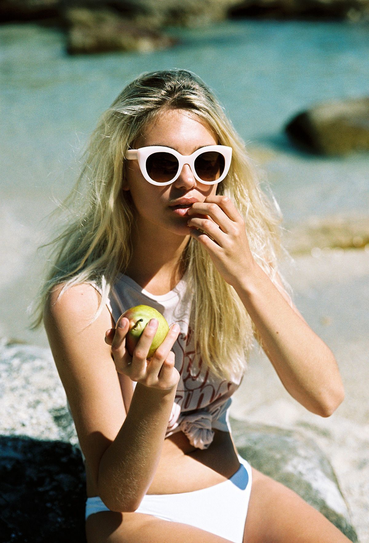 d36ee71ff0089 AMUSE X D BLANC   The Modern Lover Sunglasses in Blush. Danika Pienaar  photographed
