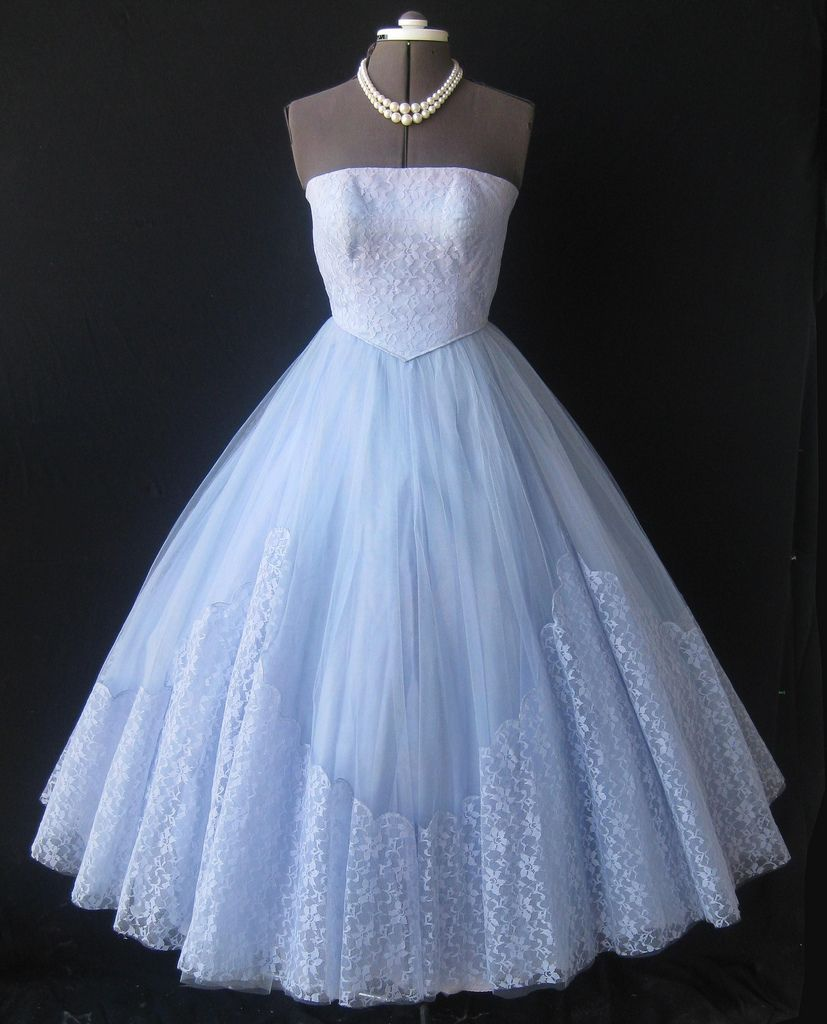 Strapless 50\'s lace & tulle prom dress | Tulle prom dress, 50s prom ...
