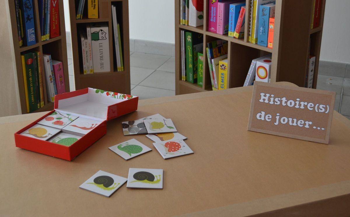 Supports En Carton Sg Pour Histoire S De Jouer Outil D Animation Du Bibliopole D Angers Carton Meubles En Carton Mobilier De Salon