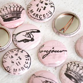Paris Pink Buttons
