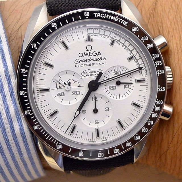 Omega speedmaster snoopy chronograph luxury watches pinterest omega speedmaster omega and for Snoopy watches