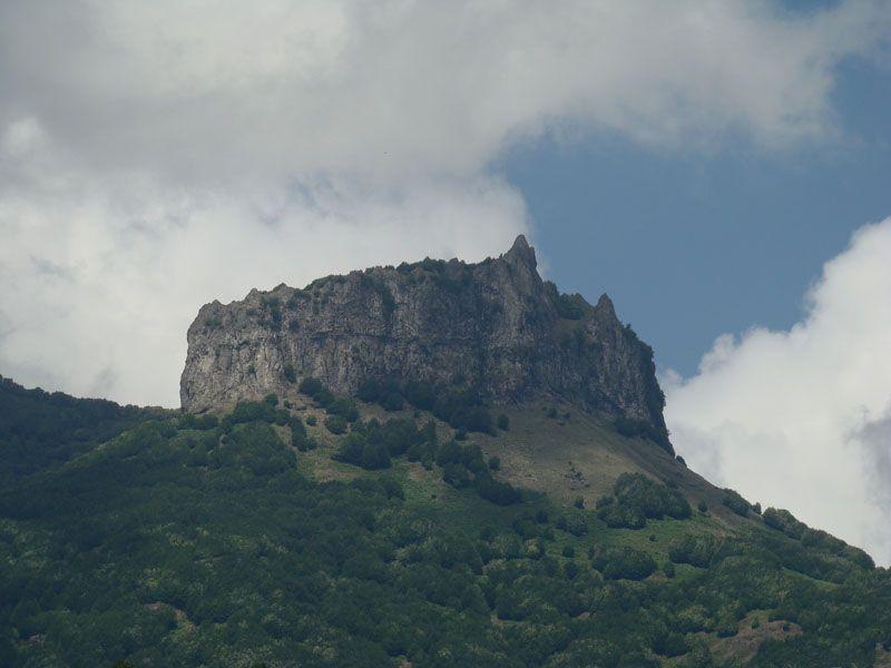 قله اسپیناس -لاتون-آستارا
