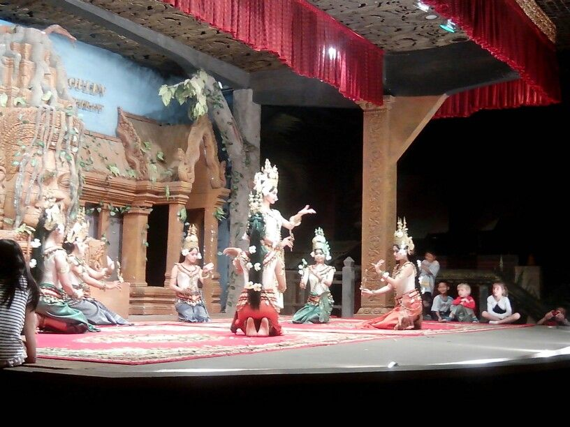 A cultural show that you must watch when youre planning to visit Cambodia. (Apsara Dance)
