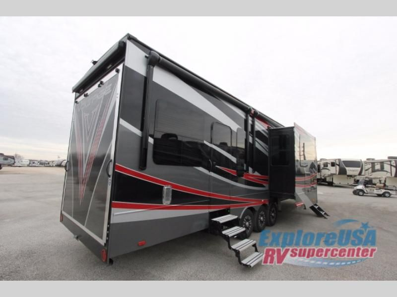New 2017 Dutchmen Rv Voltage Epic V3890 Toy Hauler Fifth