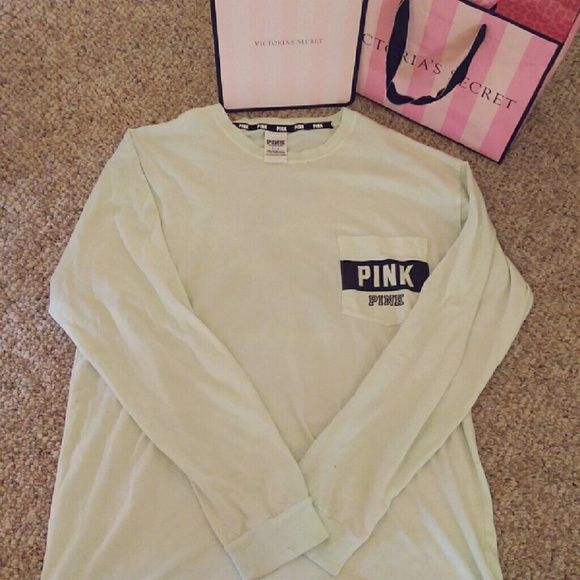 ❇ONE DAY SALE❇PINK VS Long-sleeve campus tee⚓ I bought this at the store and unfortunately I did not like how it fit, it fits like a Medium or can also be fit as a large. It a in great condition!! I can sell or trade :) feel free to ask me questions or make an offer. PINK Victoria's Secret Tops Tees - Long Sleeve