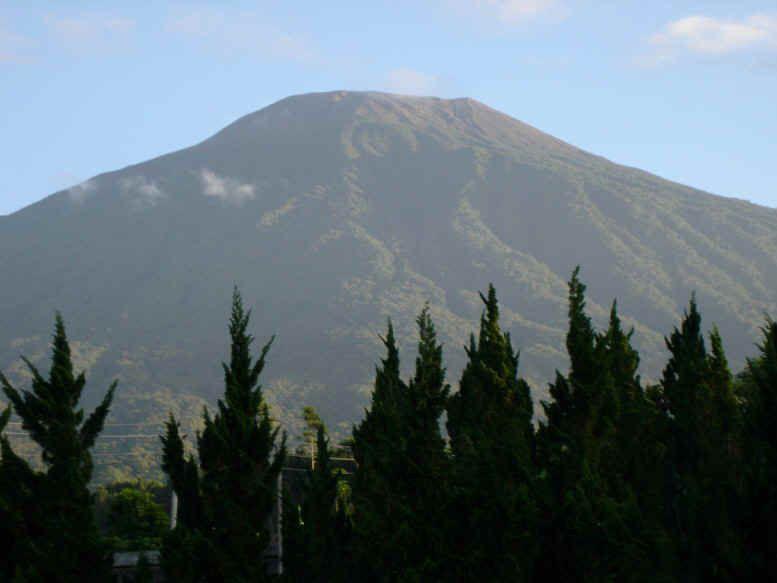 banyumas pemandangan gunung slamet baturaden loka wisata alam