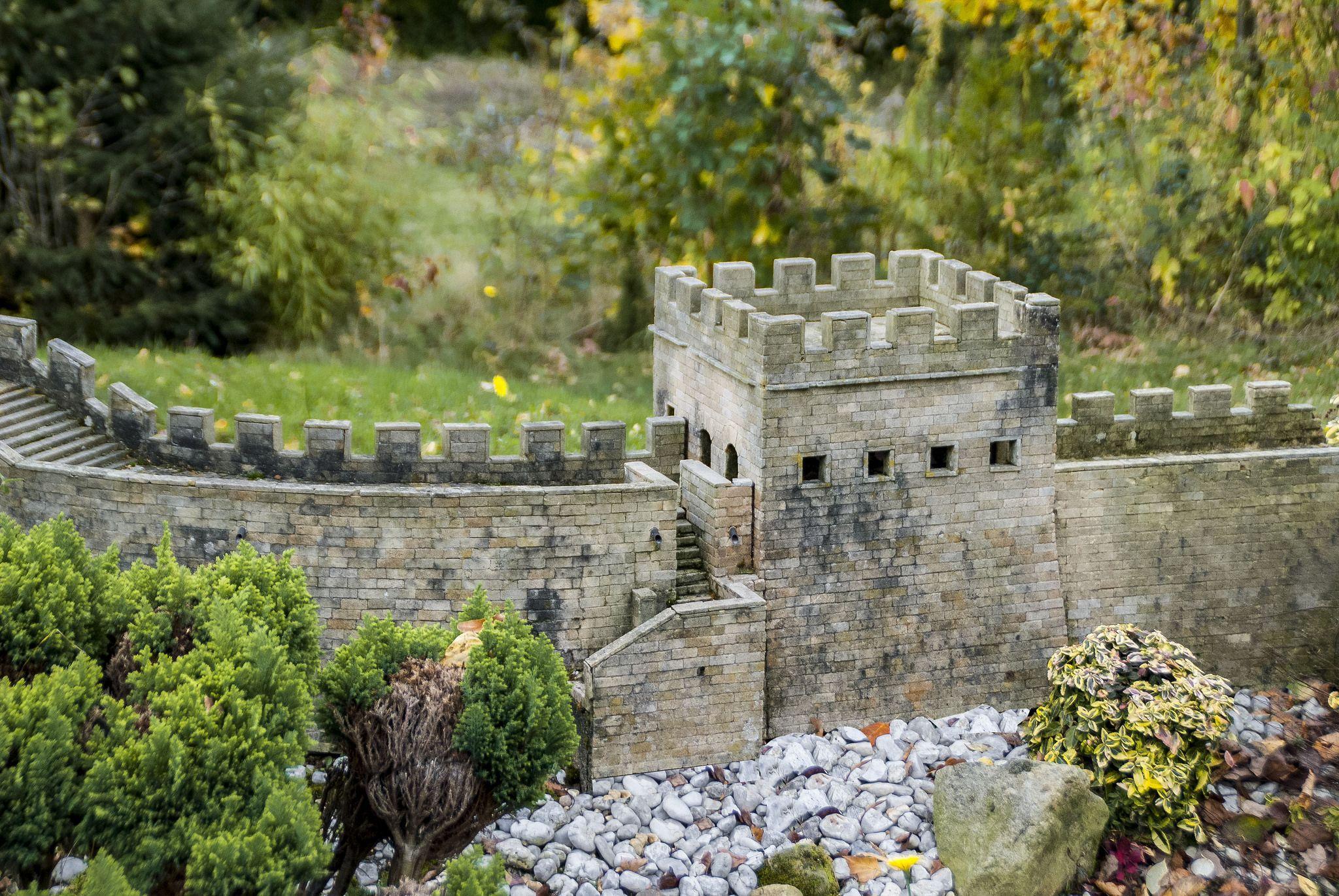 Die Chinesische Mauer Detail Als Modell In Der Miniaturwelt Lichtenstein In Sachsen House Styles Mansions