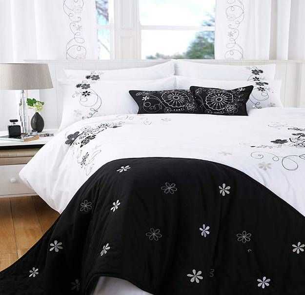 Frames bed black modern