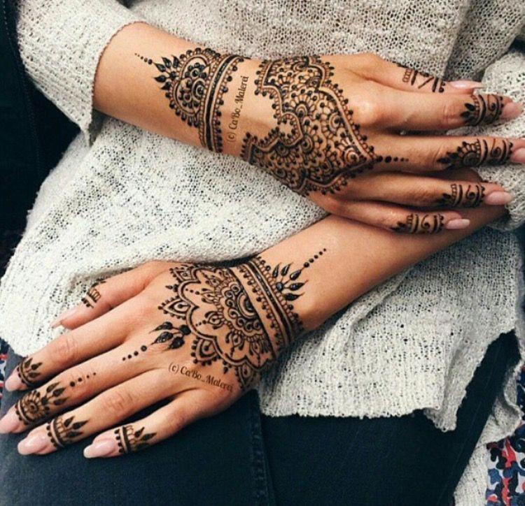Tatuaje De Mandala En Manos Tatuajes De Henna Pinterest Henna