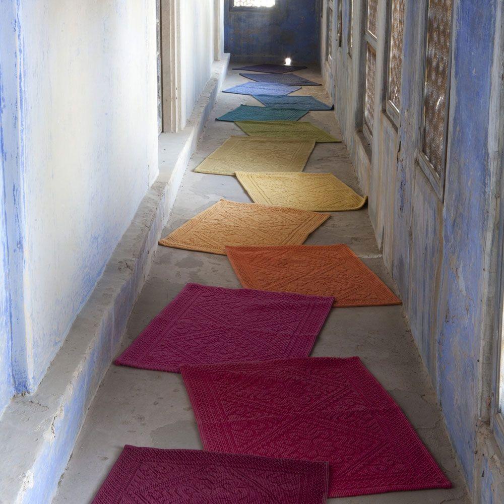 tapis de bain vivaraise linge de maison et linge de bain a d couvrir par ici http www. Black Bedroom Furniture Sets. Home Design Ideas