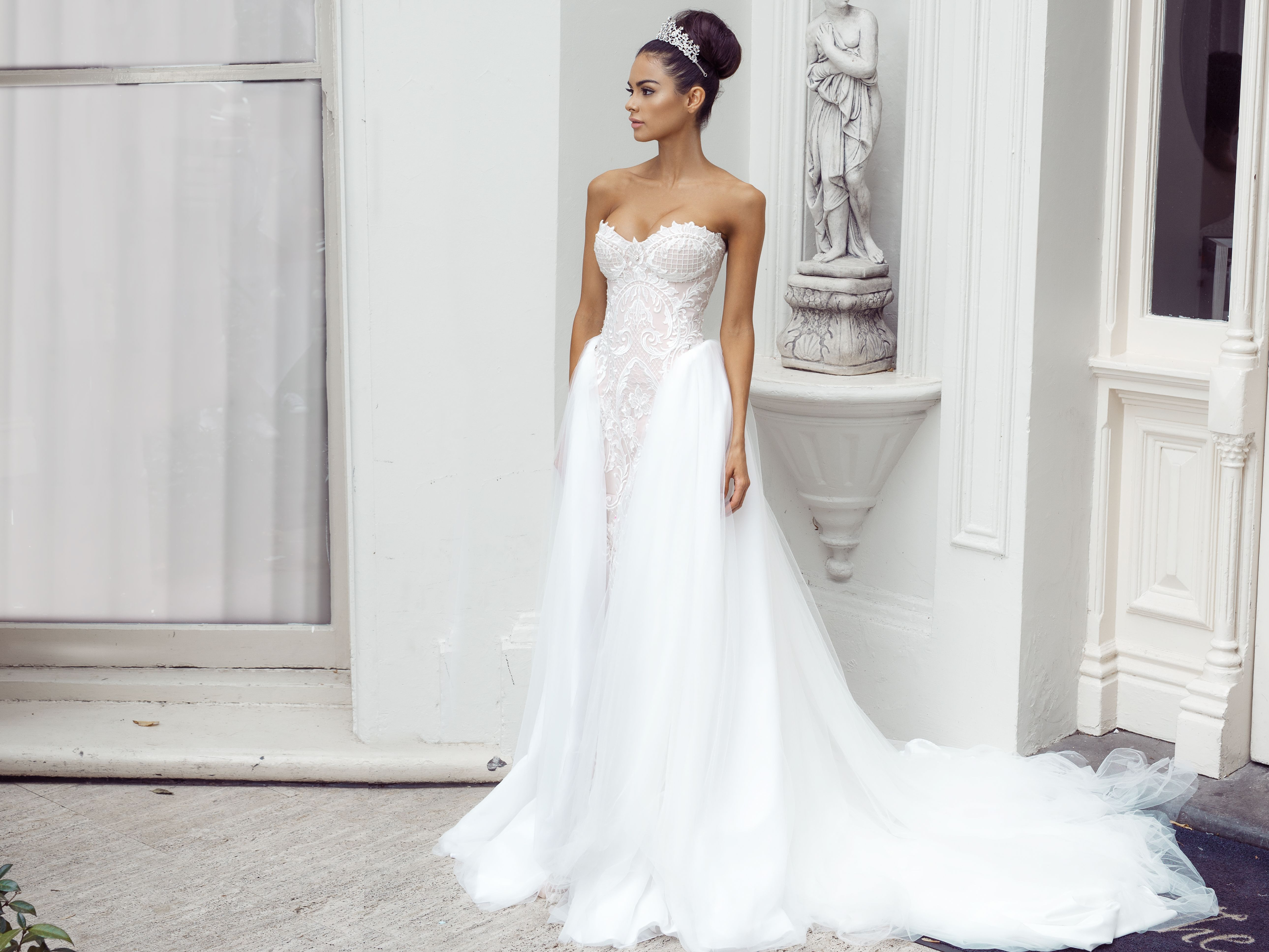 Spectacular Kleinfeld Bridal Mobile The Largest Selection of Wedding Dresses on the go
