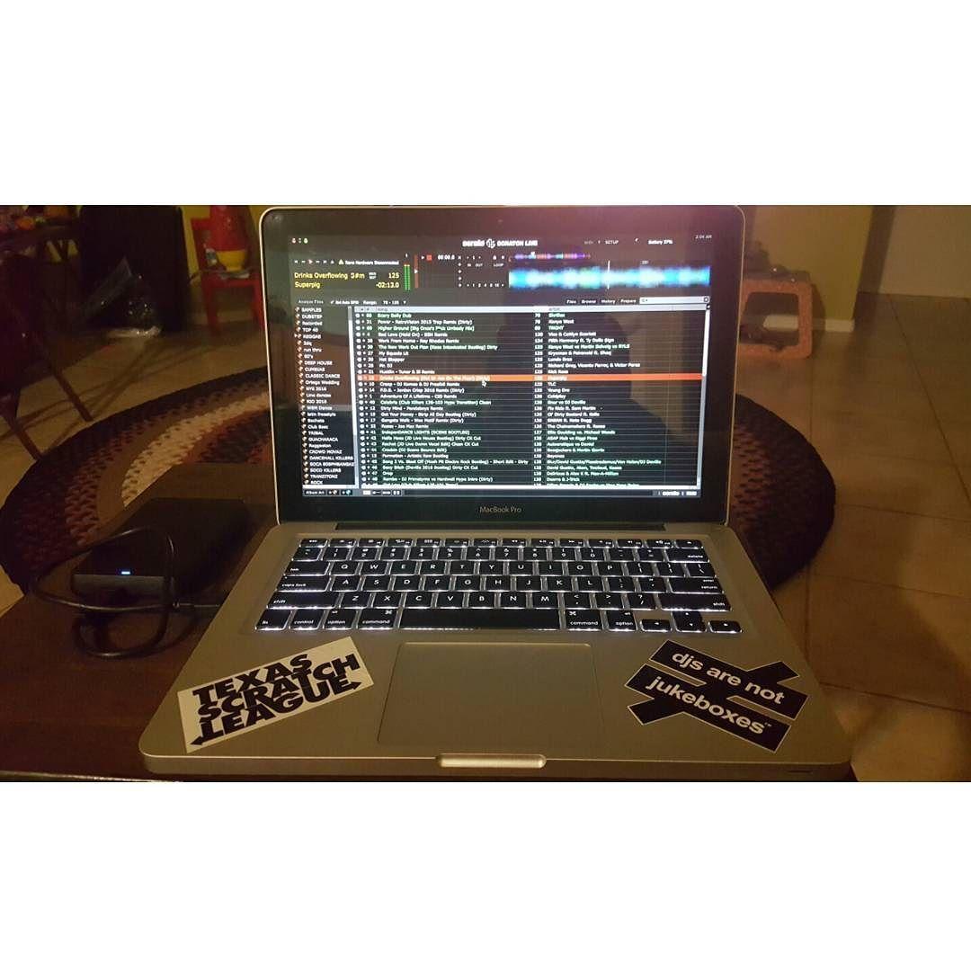 Late night prep!! New mix dropping later this week! #latenights #deadlines #insomnia #music #mix #txscratchleague #djsarenotjukeboxes #dj #djlife #djar_512 by djar_512