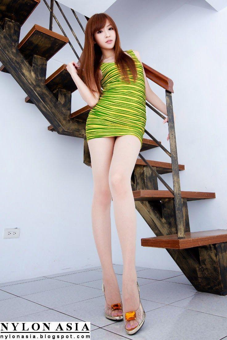 Nn pantyhose fashion model