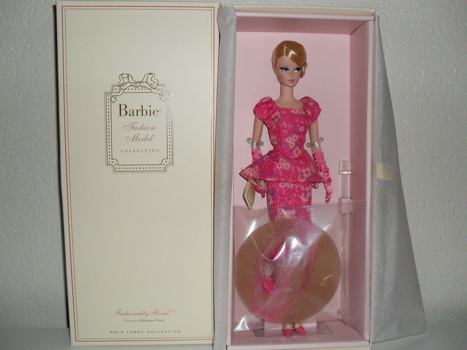 Fashionably floral silkstone barbie doll ebay in for Barbie wall mural