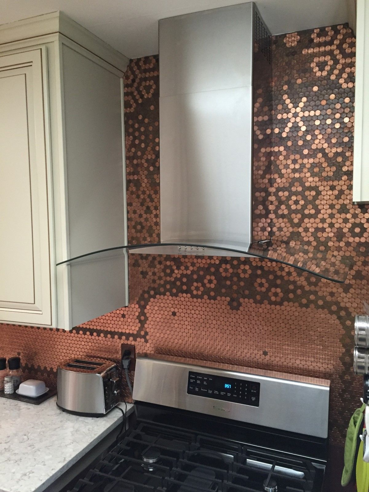 Carolynu0027s Creative Penny Backsplash Is The Centerpiece Of Her Kitchen. Her Penny  Backsplash Features Coins From My Family Birthdate Years, Indian Head, ...
