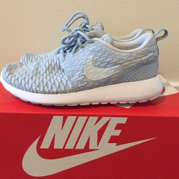 00a99b954052 ... order nike roshe flyknit sky blue these are nike flyknit roshes size 7  in f89eb e8e9a