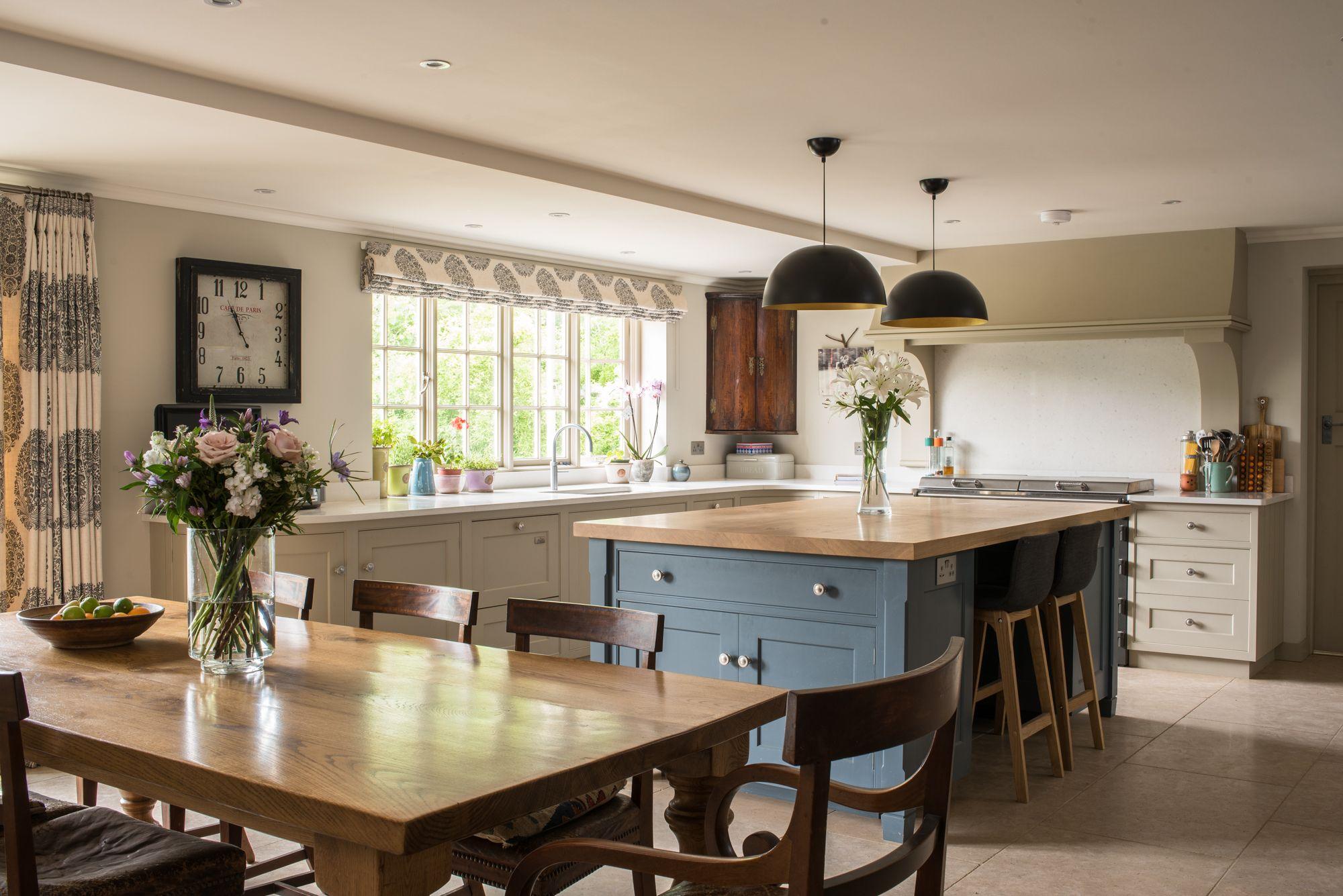 Inside Houzz Ideabooks Propel A Major Chicago Remodel Silestone Kitchen Quartz Kitchen Countertops Grey Painted Kitchen