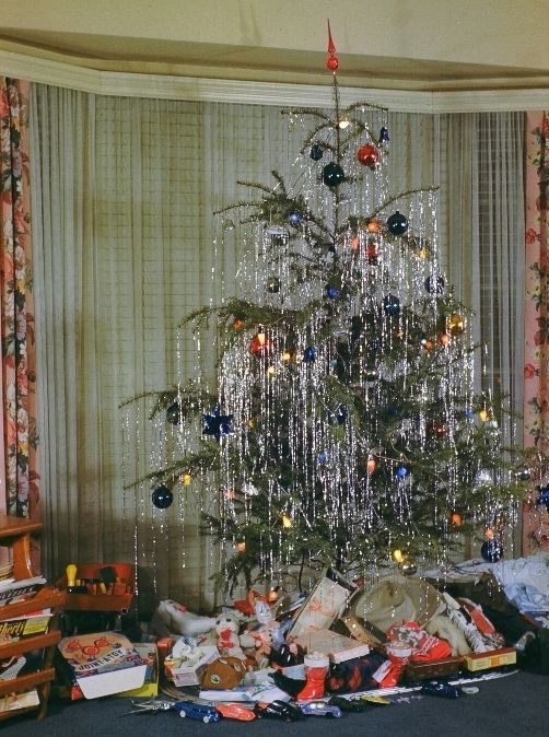 christmas tinsel icicles - Google Search | Vintage Christmas tree ...