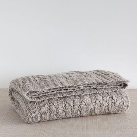 Zara Home Decke wolldecke mit zopfmuster und fransen decken schlafen zara home