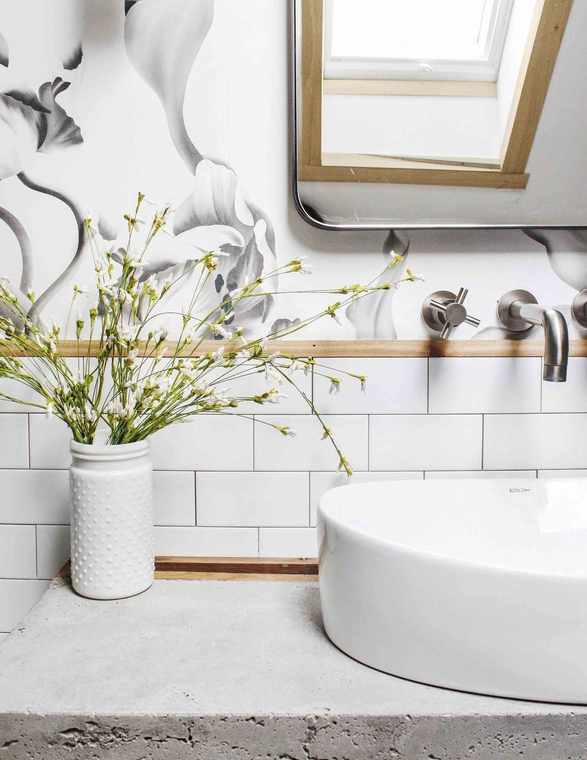 Carta da parati in bagno 5 motivi per installarla (senza
