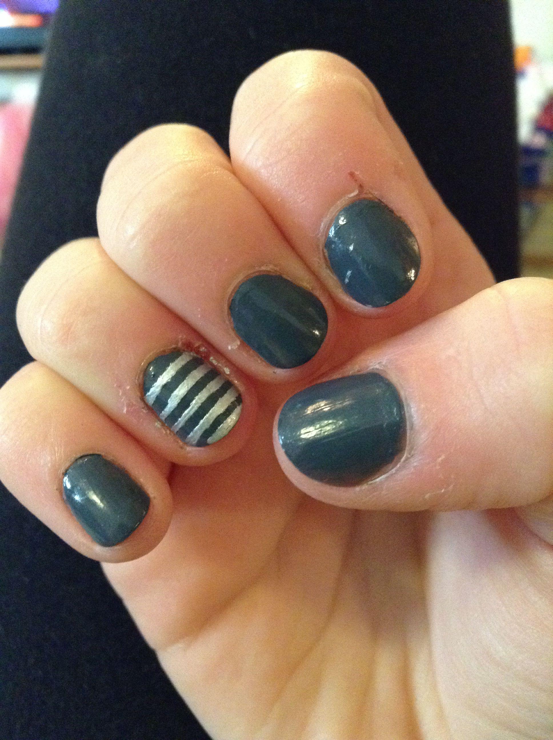 Gray and silver striped nails #grayandsilver #stripes #dark ...