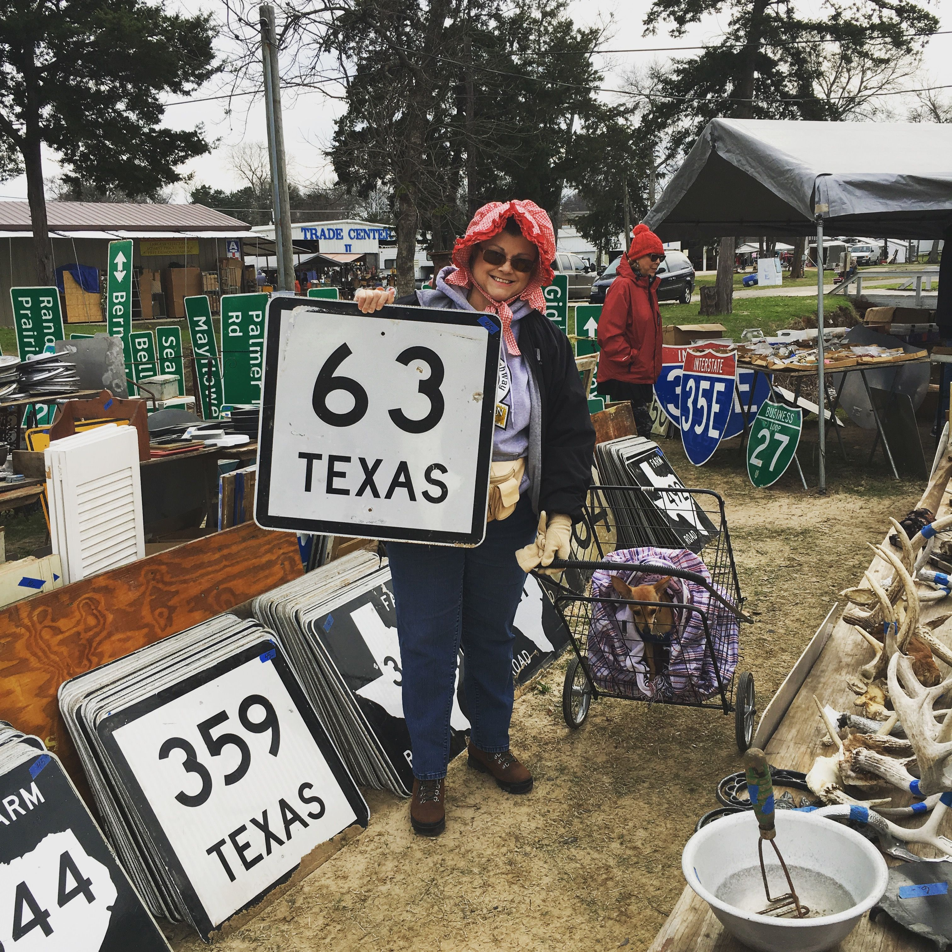 Firstmondaytradedays Vanzandtcounty Dealers Highwaysigns Vintage Cantontexas Blingblinkyoftexas Canton Texas Van Zandt County Lone Star State