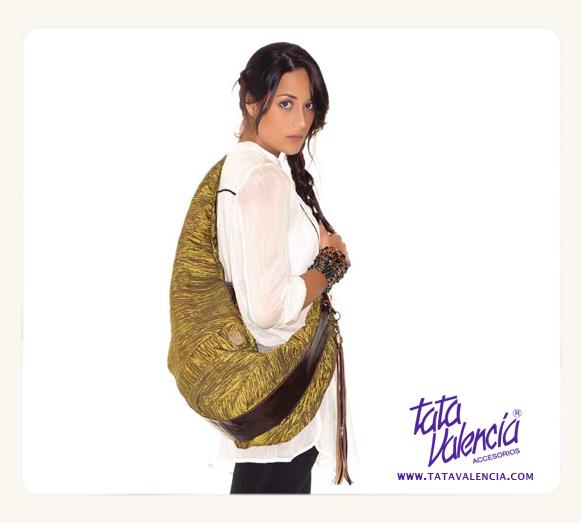 #Bolso canguro manos libres. Tela y cuero www.tatavalencia.com