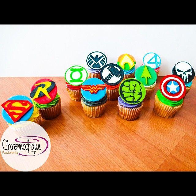 Superheroes cupcakes (Cupcakes de superhéroes) https://www.facebook.com/ChromatiquePasteleria