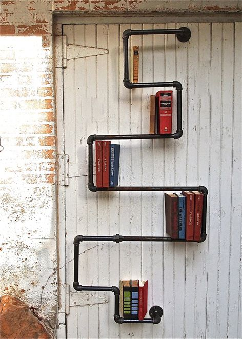 Industrial Bookshelf Maybe We Could Paint It One Of Our Colors And It Could Hold Games Rohrregal Regal Und Schone Schrift