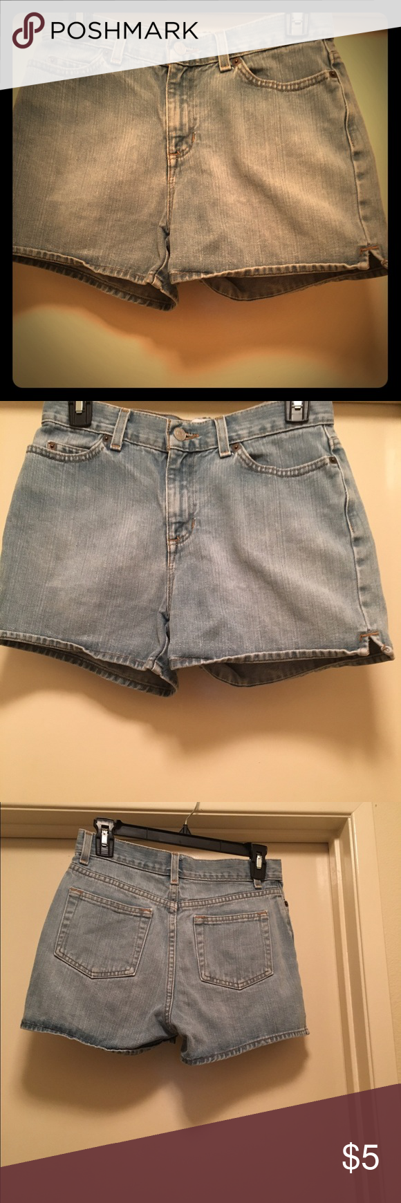 Women's GAP jean shorts. Indigo blue. 🦋 Women's GAP jean shorts. Indigo blue. Size 2 Inseam 3 inches Length from bottom of the shorts to the waist band 11 inches. 🦋 GAP Shorts Jean Shorts