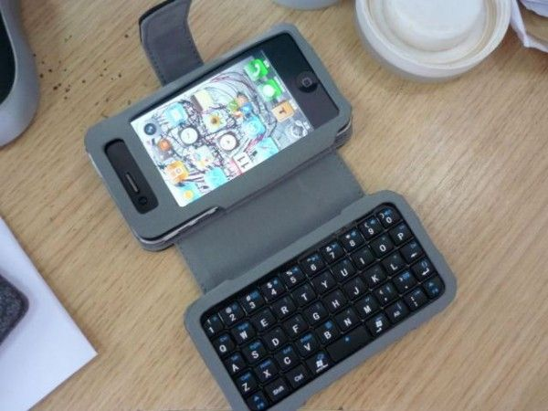 iPhone 4 Mini Keyboard | Smartphone Era | Mini keyboard