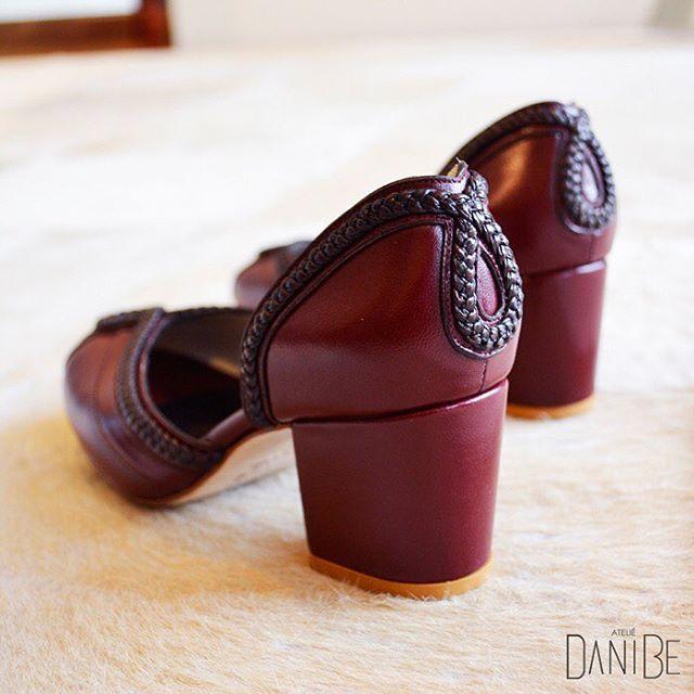 Vamos de salto e muito estilo pro fim de semana? Vamos de DaniBe! Sapato Camila #moda #fashion #sapatos #shoes #ootd #lookdodia #brazil #daniBe #daniBeShoes #tendencia  #conforto #artesanal #handmade #sapatosartesanais #feitoamao #basico #basic #shoesoftheday